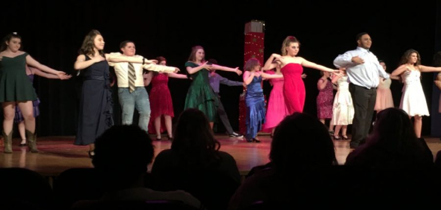The+cast+of+Footloose+closed+out+their+performance+with+their+finale+dance.+Photo+by+Morgan+Prater.